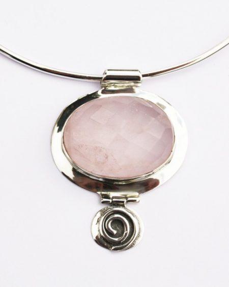 Rose quartz oval pendant