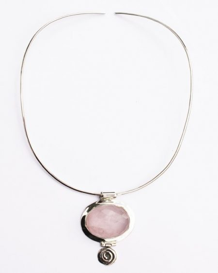 Rose quartz oval pendant