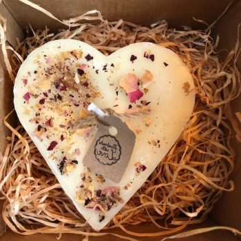 Heart shape jasmine scented candle