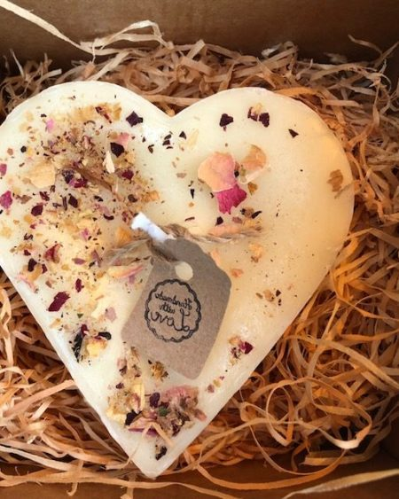 Heart shape jasmine scented candle