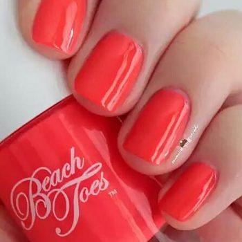 Beach toes, UV nail varnish, coral nail polish
